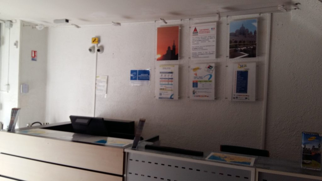 Agence touristique colorbus marseille rénovation décoration d'intérieur coralie aubert architecture d'intérieur marseille 13002 professionnel commerce